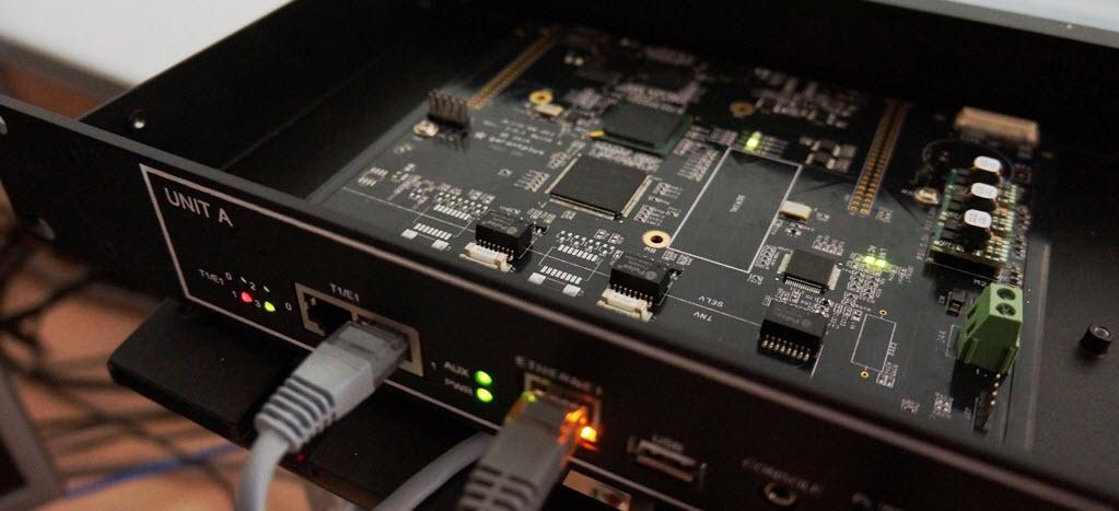 Потоковые ISDN PRI E1 / SIP шлюзы Alvis-GW-2E1